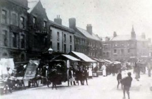 The Ship Inn (first building on the left) on Moor Street in 1902