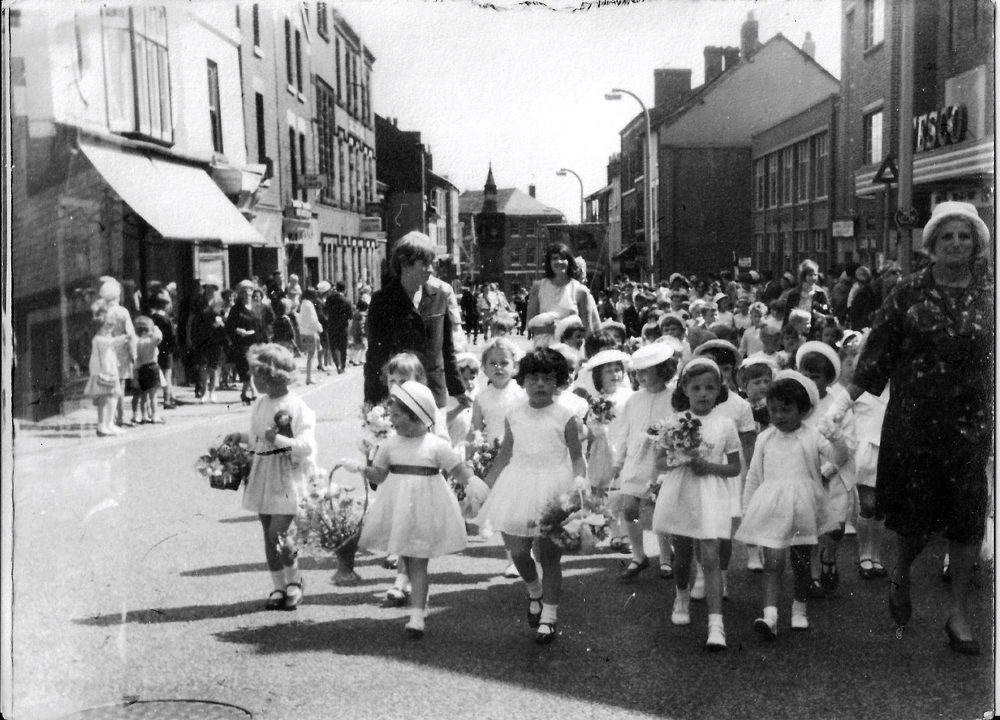 Sunday School Infants, Miss Leatherbarrow front left, circa 1965
